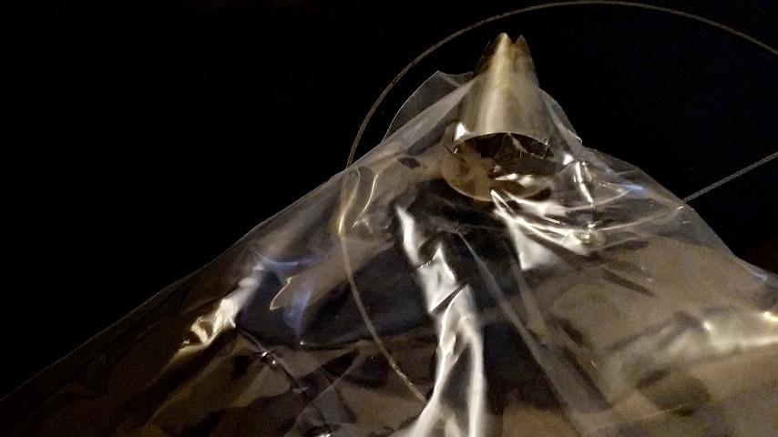 Κορνέ από μια σακούλα τροφίμων, με μεταλλική μύτη